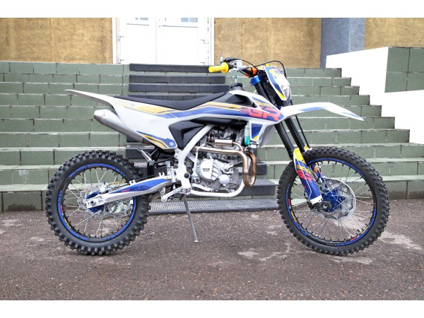 Мотоцикл GR2 300 PRO (вод. охл. ZS174MN) 21/18 (2020 г.)